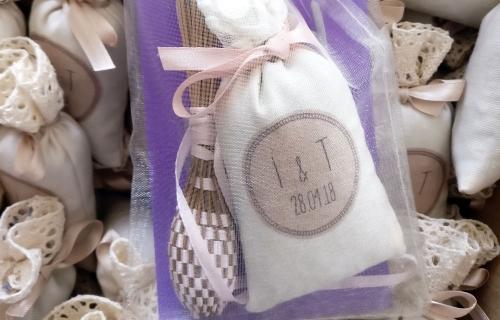 Sachets de lavande pour invités de mariage