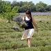 Marie dans le champ de lavande